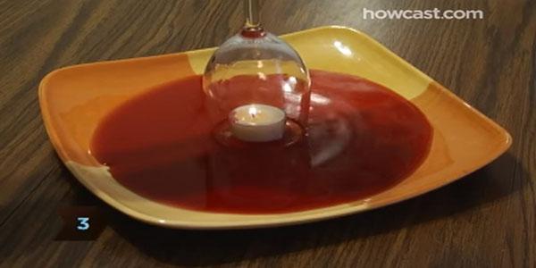 VIDEO: no te imaginas lo que sucede cuando colocas una copa de vino sobre una vela