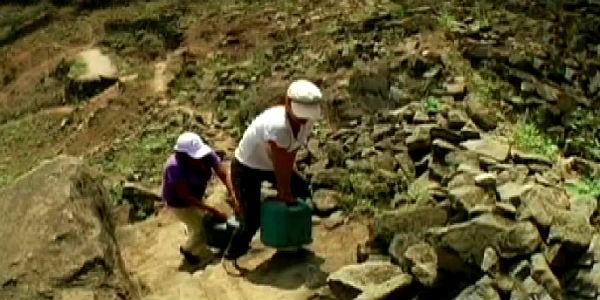 Desde Villa María del Triunfo: El drama de las familias para conseguir agua