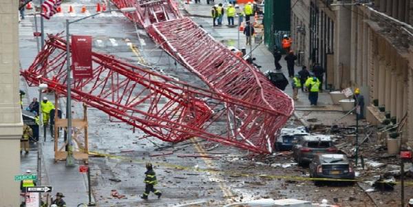 EEUU: caída de enorme grúa en Manhattan dejó un muerto y tres heridos