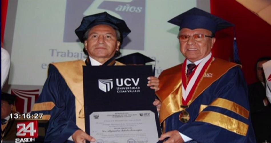 Conoce a las personalidades que recibieron reconocimientos de la UCV