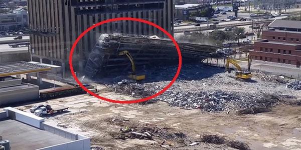 VIDEO: un edificio le cae encima y sorprendentemente resulta ileso