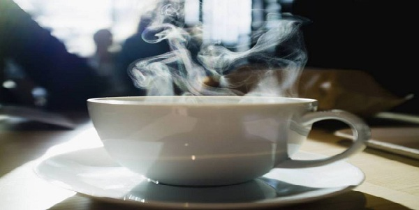 OMS advierte que bebidas calientes pueden causar cáncer