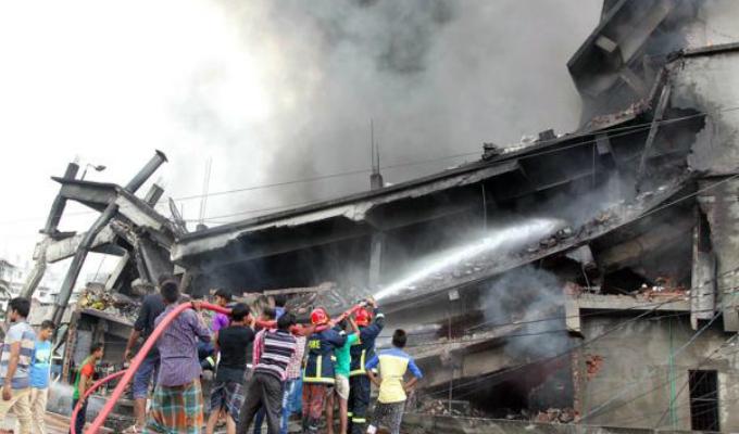 Bangladesh: incendio en fábrica dejó 23 muertos y 70 heridos