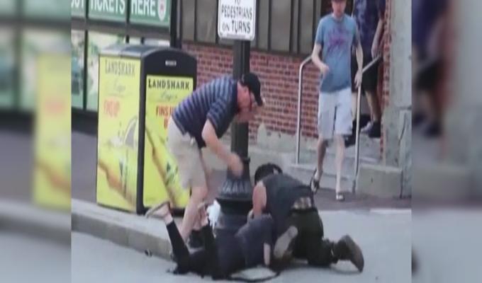 EEUU: mujer pelea con pitbull por defender a su mascota