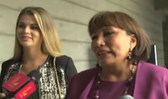Brunella Horna se luce con la mamá de Renzo Costa