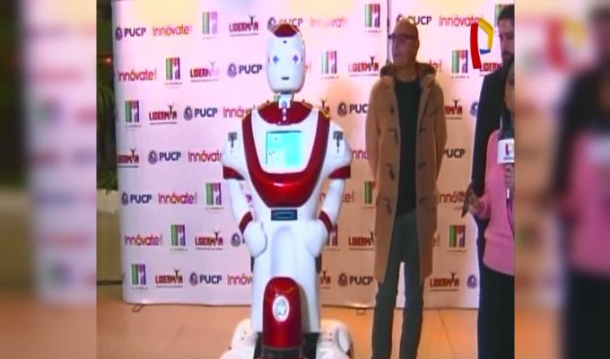 San Borja: robot brinda seguridad en centro comercial