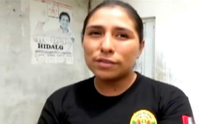 Mujer policía que ayudó a indigente será condecorada