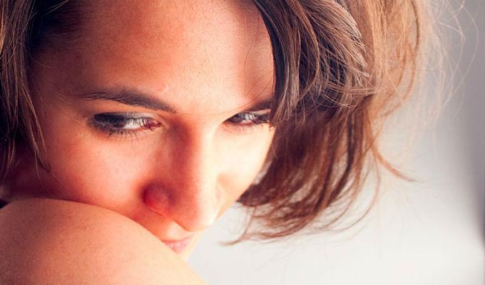 ¿Por qué algunas personas no te miran a los ojos cuando les hablas? Hay una explicación científica