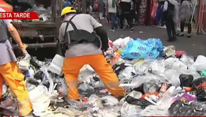 Se inició recojo de basura tras acuerdo entre empresa de limpieza y La Victoria