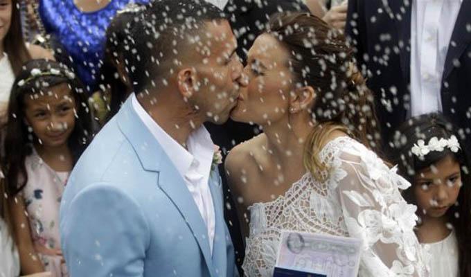 Desvalijan vivienda de futbolista Carlos Tevez mientras se casaba