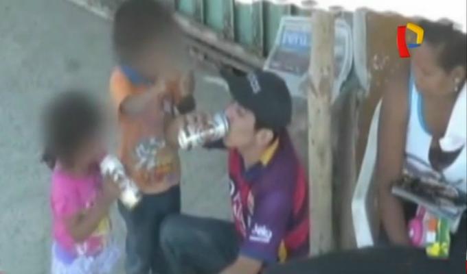 Defensoría pide protección para niños que bebían cerveza en Tumbes