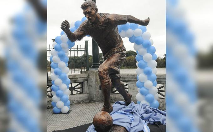 Argentina: destruyen estatua en honor a Lionel Messi