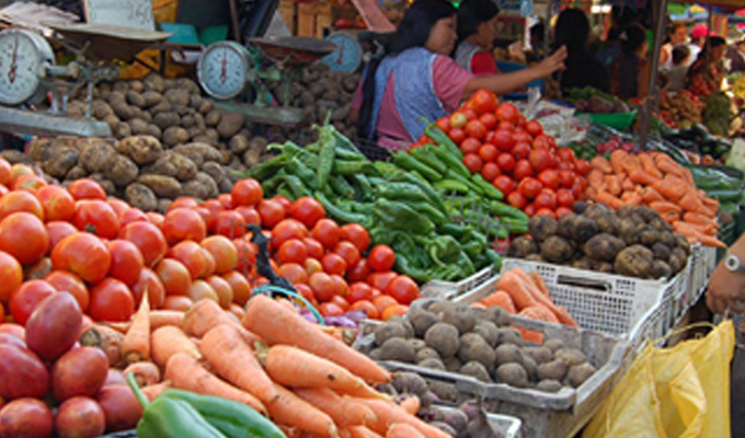 Se incrementan precios de productos básicos por caída de huaicos