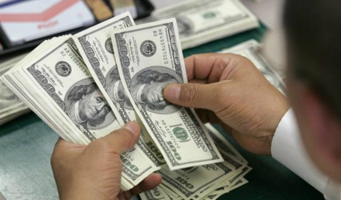 Aseguran que precio del dólar continuará inestable en el mercado