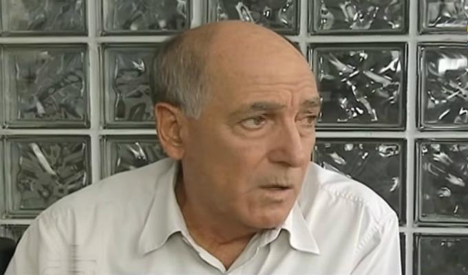 """Carlos Tapia: """"Verónika Mendoza comete errores políticos"""""""