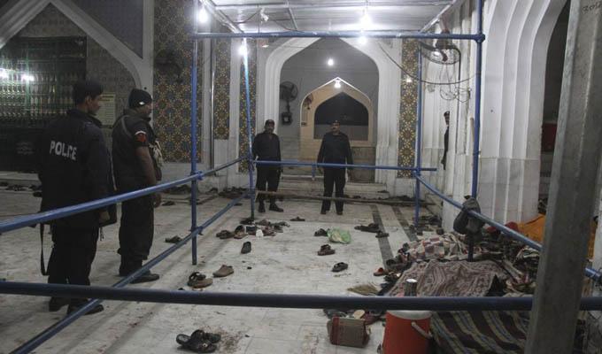 Ataque suicida deja 72 muertos y 150 heridos en Pakistán