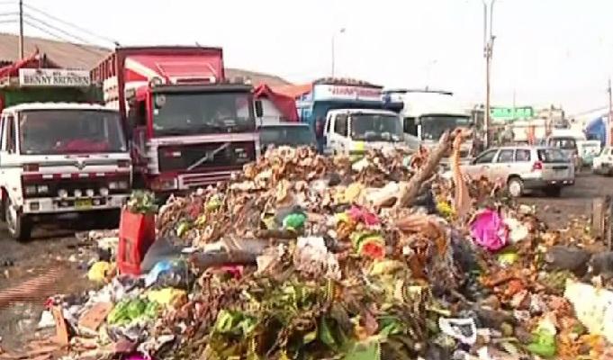 La Victoria: acumulación de basura cerca al Mercado de Frutas