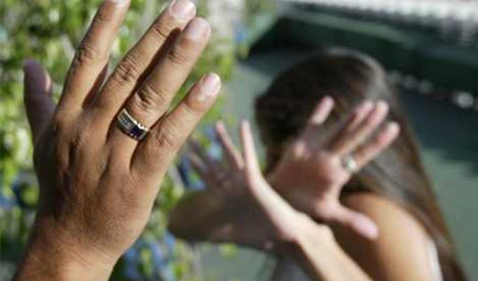 Bellavista: mujer golpeada en la vía pública defiende a su agresor