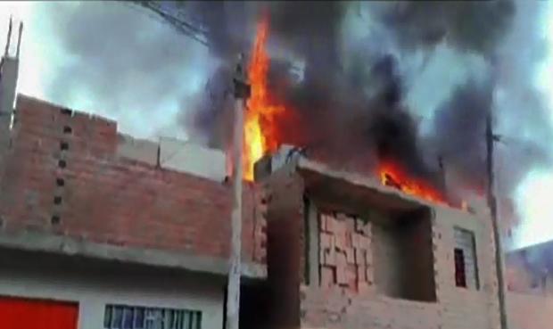 Huacho: incendio en vivienda dejó a familia atrapada