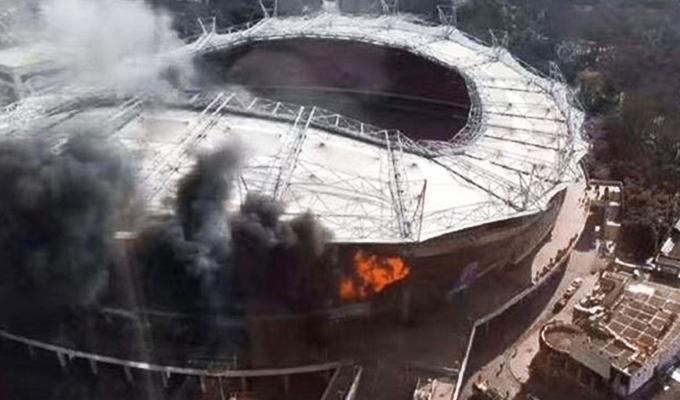 Se incendió el estadio en China donde juega Carlos Tevez