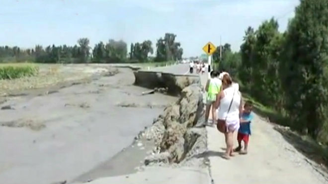 Huacho: río arrasa 100 metros de carretera Huaura y Sayán
