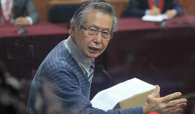 Alberto Fujimori pasó la noche internado en clínica de Pueblo Libre
