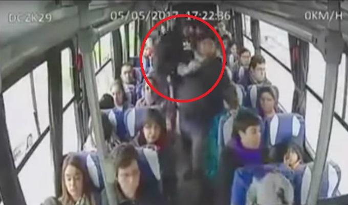 Chile: cámaras registraron violento ataque a un anciano