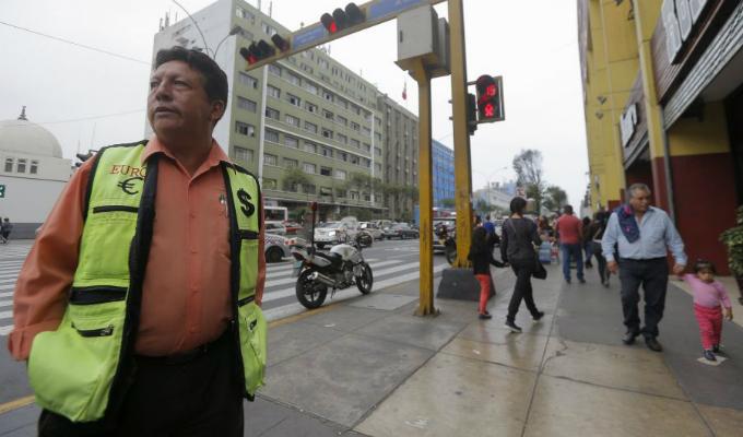 Fallo judicial permitirá retorno de 6 cambistas en calles de San Isidro