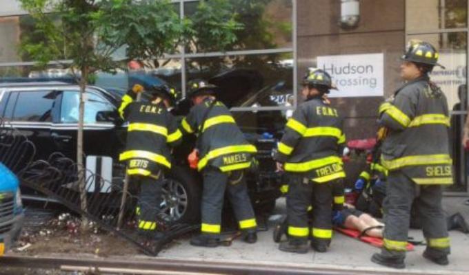 EEUU: vehículo atropella al menos a 10 personas en calle de Manhattan
