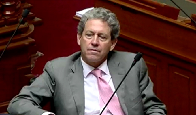 Exministro con suerte: fiscal Pablo Sánchez congeló investigación contra Alfredo Thorne