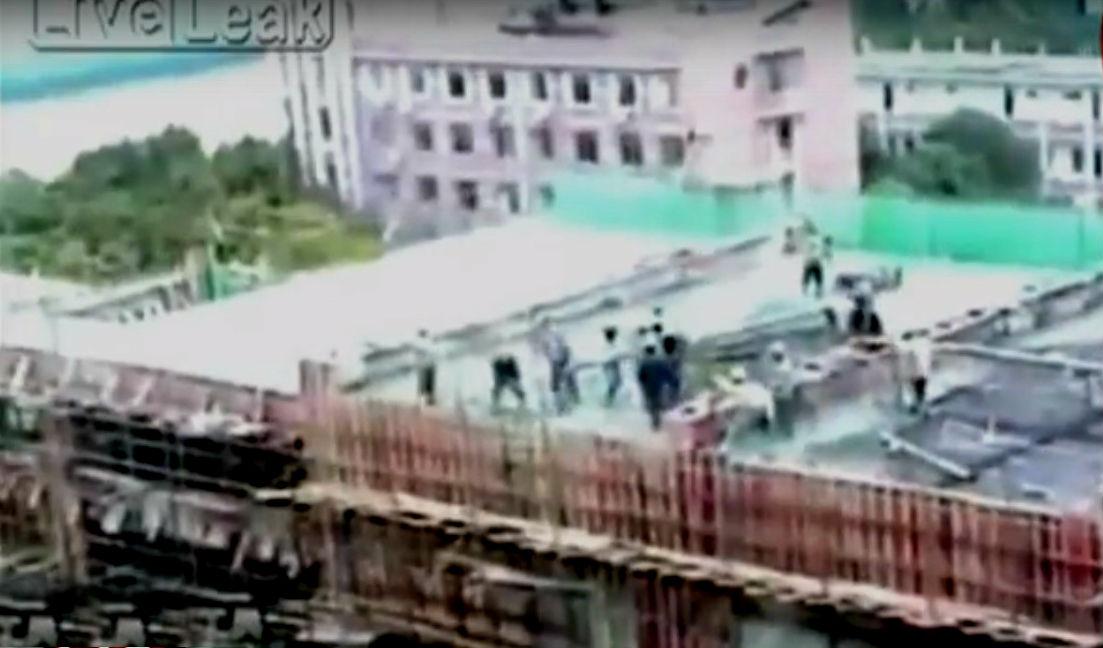 Taiwán: edificio en construcción colapsa y sepulta a trabajadores