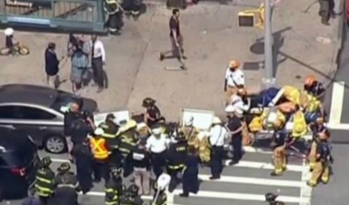 Manhattan: tren se descarrila y deja al menos 34 heridos