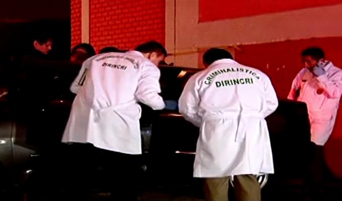 Cercado: investigan muerte de hombre baleado en auto