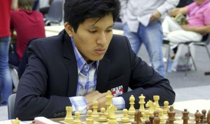 Mundial de Ajedrez: Peruano Jorge Cori derrotó a campeón británico en su debut
