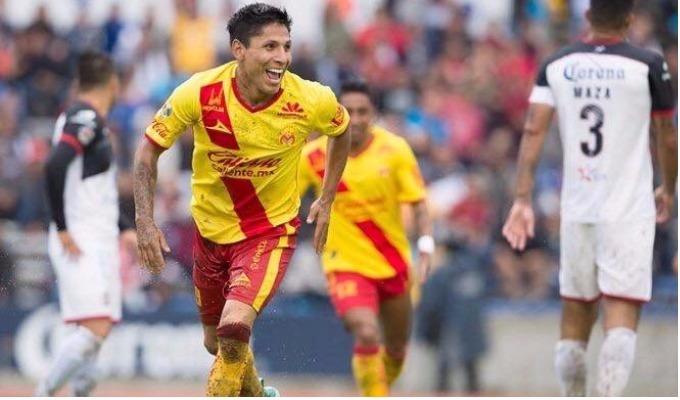Peruanos en el extranjero: Raúl Ruidíaz anotó doblete en la Liga MX