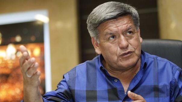 Cesar Acuña es citado por la justicia española por presunto plagio de su tesis doctoral
