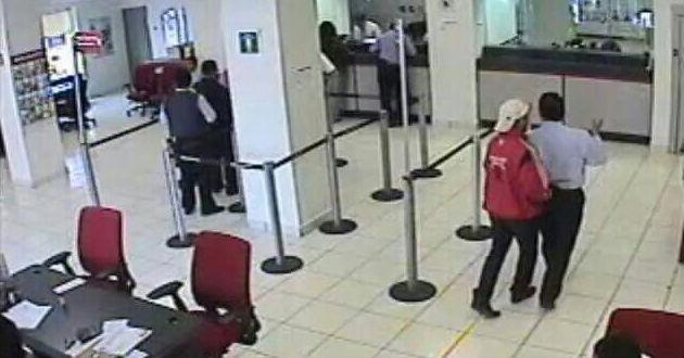 En solo 8 segundos delincuentes asaltan agencia bancaria en SJL