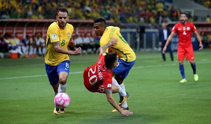 Brasil goleó a Chile y lo eliminó del Mundial de Rusia 2018