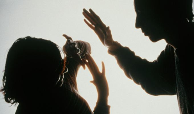 Víctimas de violencia deben esperar hasta un año por pericia psicológica