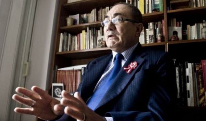 Ministro Idel Vexler anunció investigación sobre textos escolares con errores