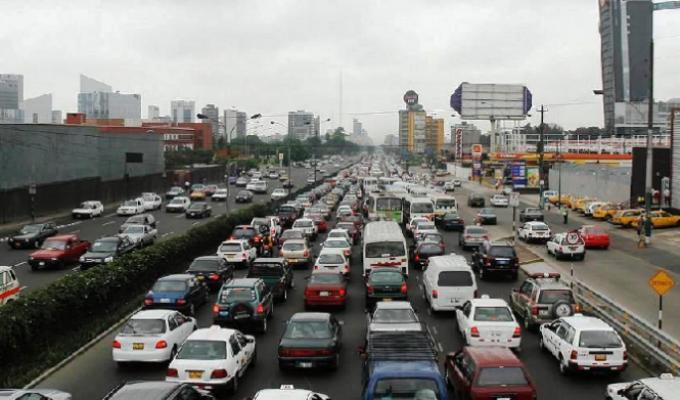 A pocas semanas de fin de año, tránsito vehicular en Lima es un verdadero caos