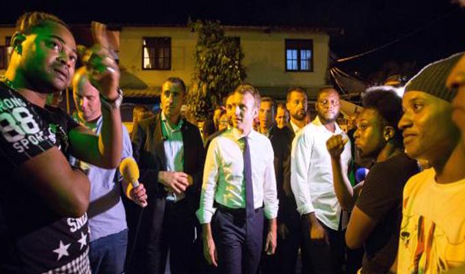 Emmanuel Macron visitó la Guayana Francesa