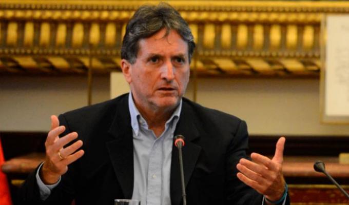Congreso: reacciones tras la renuncia de Pablo de la Flor a la Autoridad para la RCC