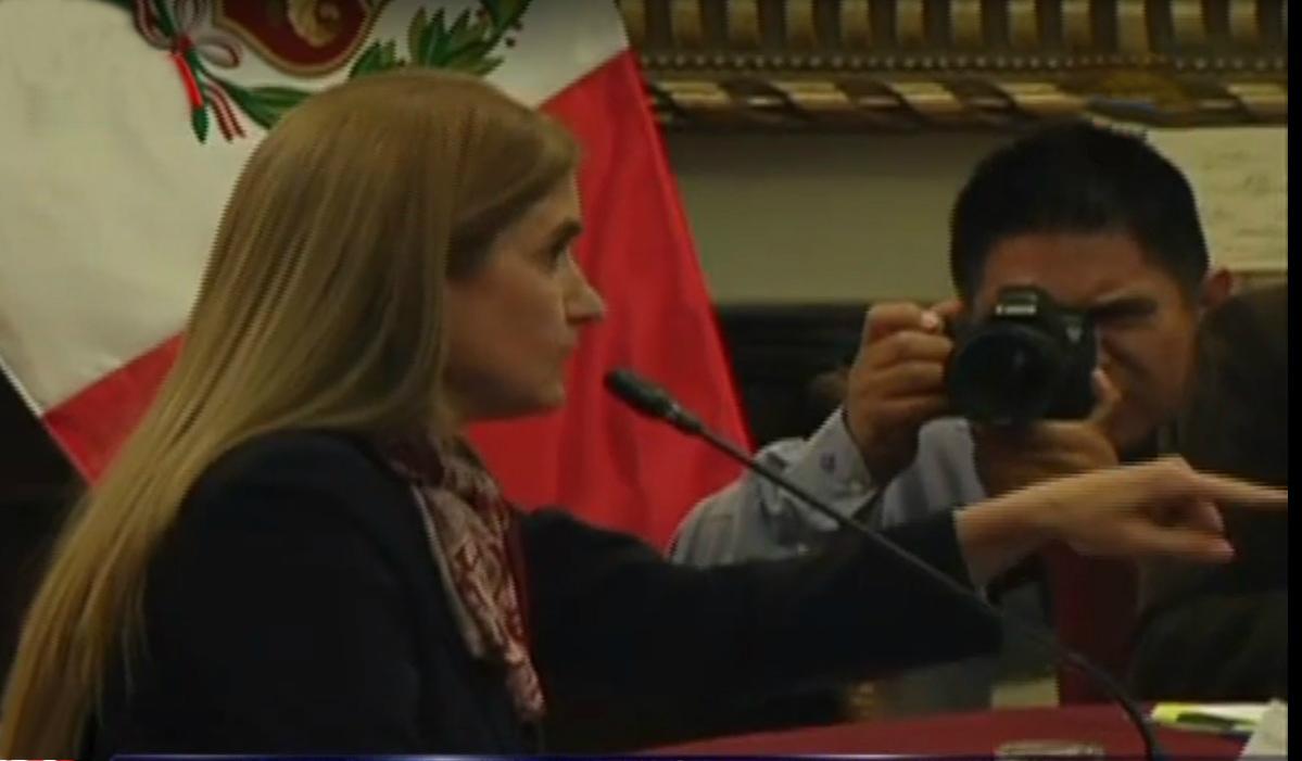 Anel Townsend tuvo accidentada participación en Comisión Lava Jato
