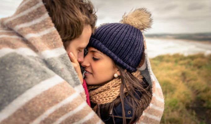 ¿Mujeres que se enamoran de hombres poco atractivos son más felices?