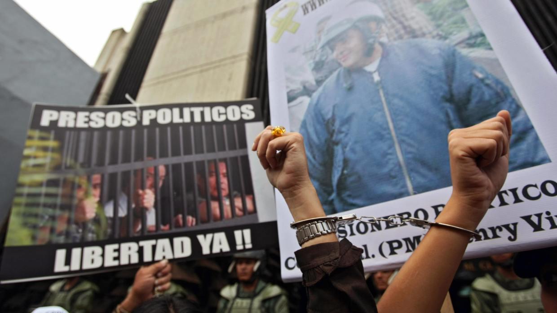 Venezuela: presidente Maduro liberó a 13 presos políticos por Navidad