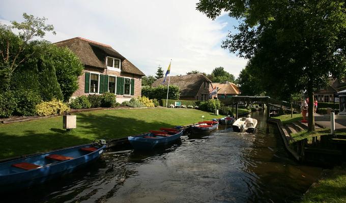 Holanda: Este pueblo no tiene ni calles ni automóviles