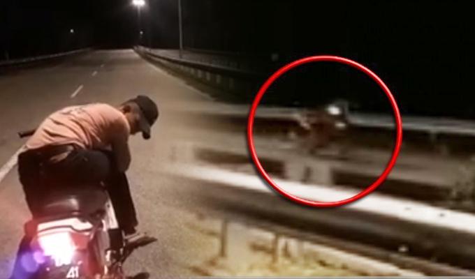 """Malasia: graban una """"moto fantasma"""" circulando por carretera"""