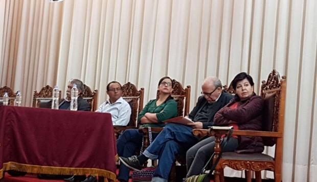 Verónika Mendoza y Gregorio Santos participan en reunión política