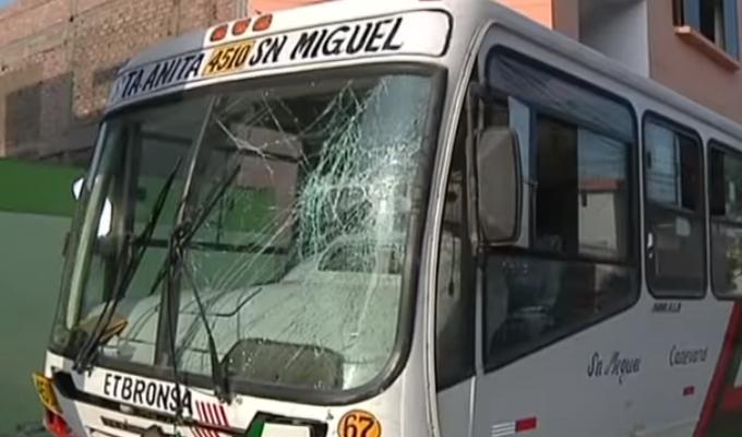 Ate-La Molina: se registró aparatoso accidente entre bus y cúster